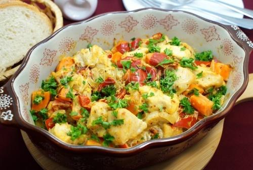 Куриное филе с овощами в духовке - рецепт