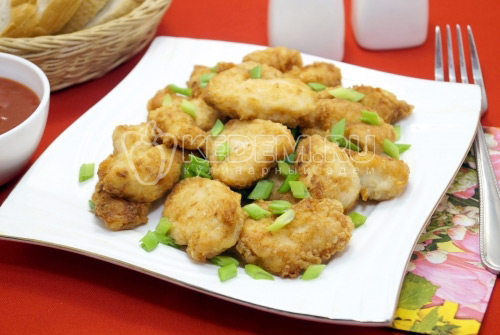 Куриное филе в панировке на сковороде