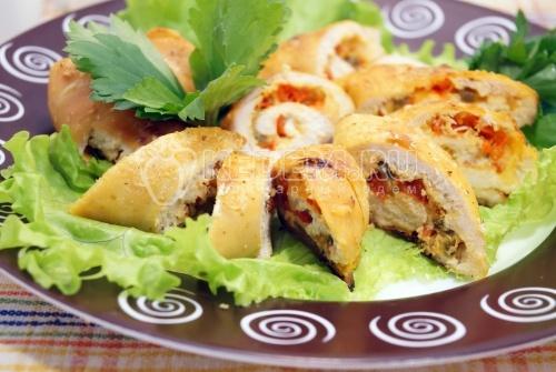 Куриные рулетики с сыром и болгарским перцем