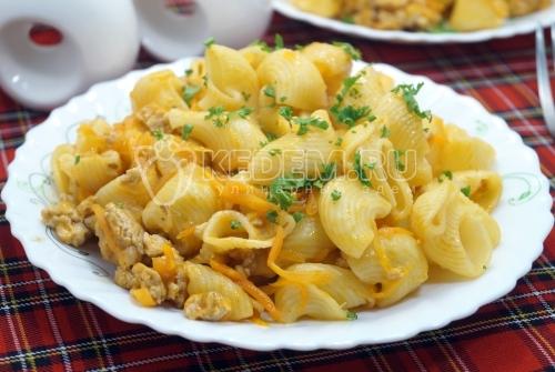 Макароны ракушки с фаршем на сковороде
