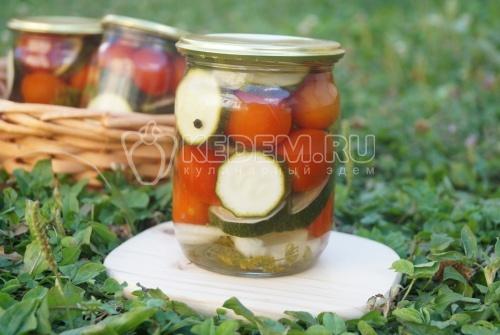 Маринованные кабачки с помидорами - рецепт