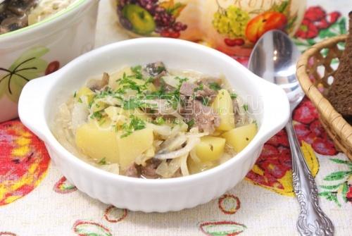Мясо в горшочке с картофелем