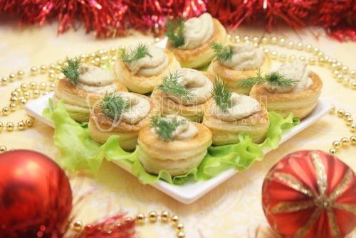 Новогодние волованы с грибным паштетом