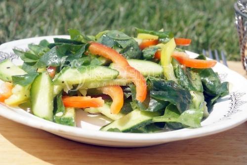 Овощной салат со щавелем
