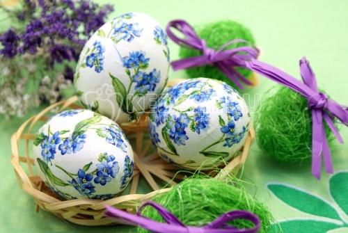 Пасхальные яйца «Цветочный декупаж»