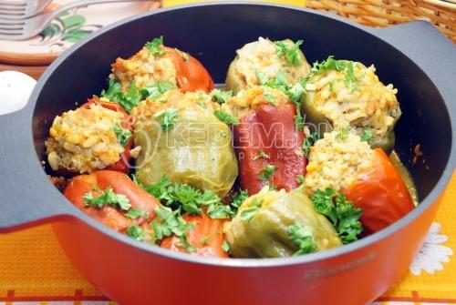 Перцы, фаршированные мясом и рисом