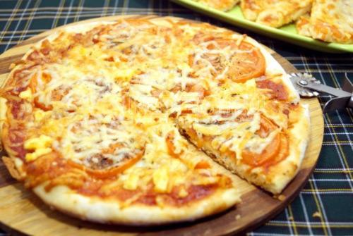 Пицца с помидорами - рецепт