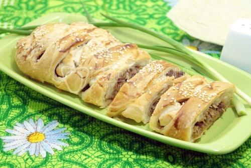 Пирог с капустой и фаршем - рецепт