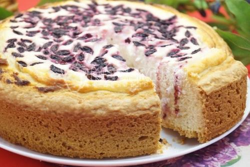Пирог с творогом и ягодами - рецепт