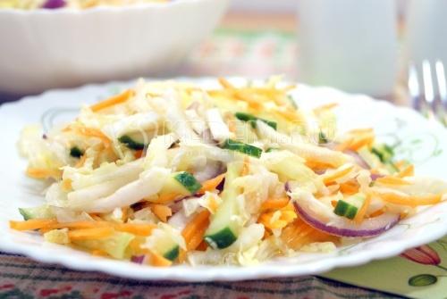 Простой салат из пекинской капусты - рецепт