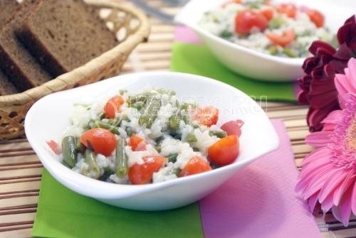 Рис с стручковой фасолью и овощами