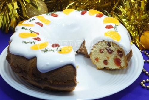 Рождественский кекс с вяленой вишней