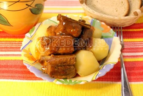 Рёбрышки приготовленные в томатном соусе