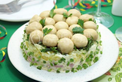 Салат «Грибная поляна» с шампиньонами - рецепт