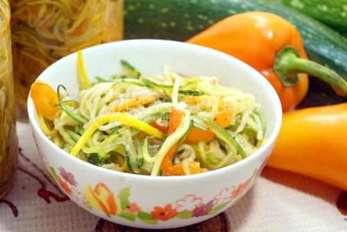 Салат из кабачков по-корейски на зиму - рецепт