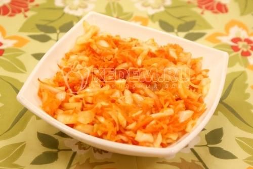 Салат из капусты с морковью и уксусом