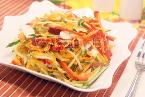 Салат из овощей с редисом