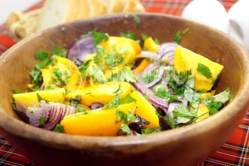 Салат из помидор с луком Осенний