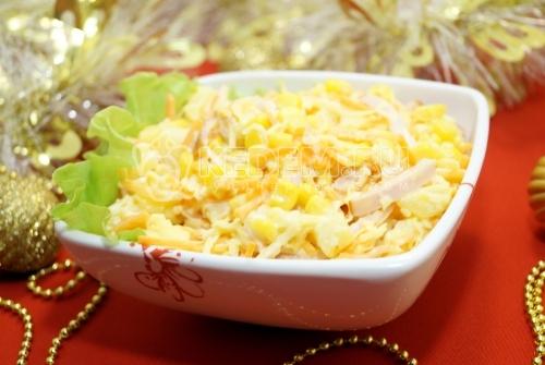 Салат с ананасами «Лис» - рецепт