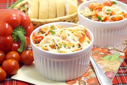 Салат с фунчозой и курицей Ля-минор