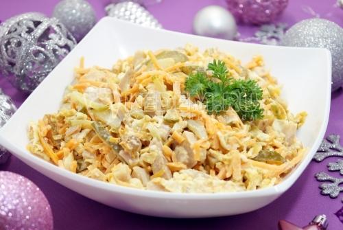 Салат с копченой курицей Новогодний вечер