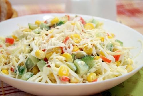 Салат с крабовыми палочками и капустой - рецепт