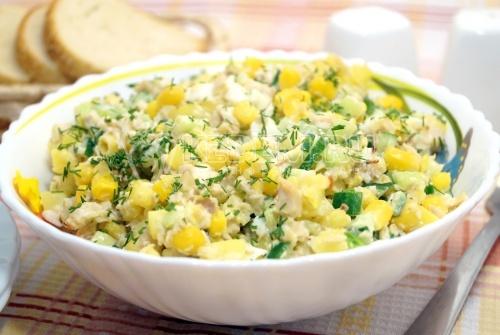 Салат с кукурузой Солнечный