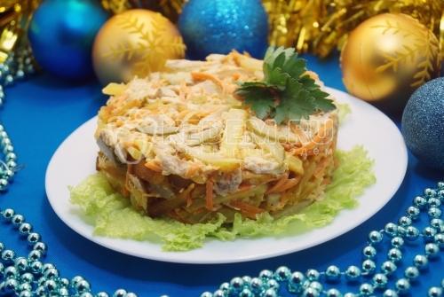 Салат с курицей и картофелем фри Русское золото