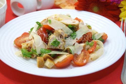 Салат с курицей и помидорами Элла