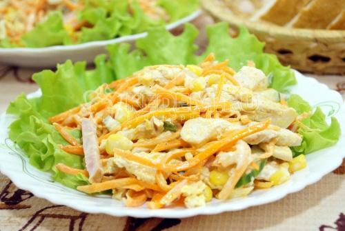 Салат с курицей Карусель