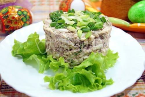 Салат с печенью и сыром Аврора