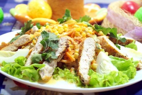 Салат с жареной куриной грудкой Жасмин