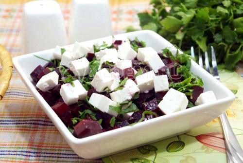 Салат со свеклой и брынзой Роксана