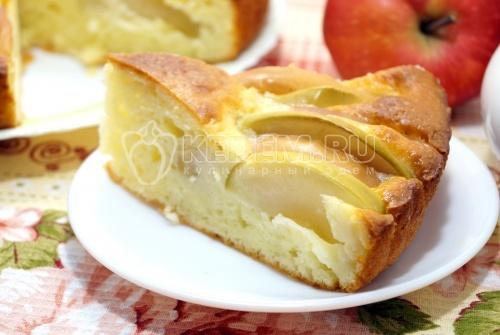 Шарлотка с творогом и яблоками - рецепт