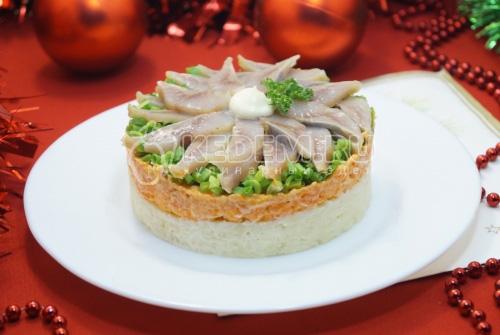 Слоёный салат Застолье