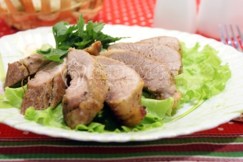Свинина в духовке  - рецепт