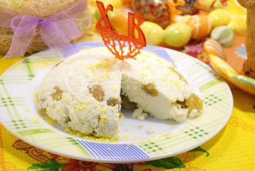 Сырная пасха с изюмом