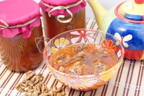 Варенье из абрикосов с грецкими орехами - рецепт
