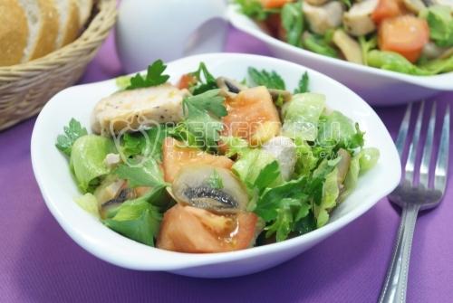 Вкусный салат из куриной грудки