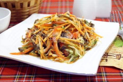 Вкусный салат с морской капустой - рецепт