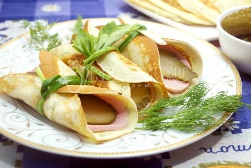 Яичные блинчики с колбаской