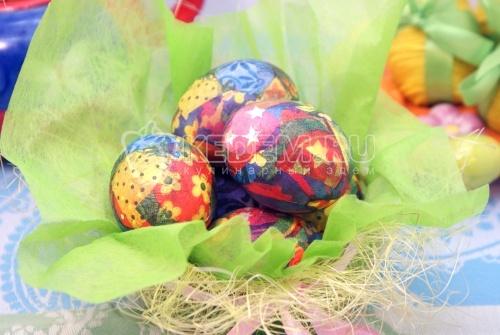 Яйца в стиле декупаж