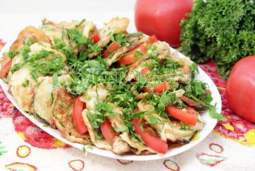 Закуска из кабачков с помидорами и зеленью - рецепт