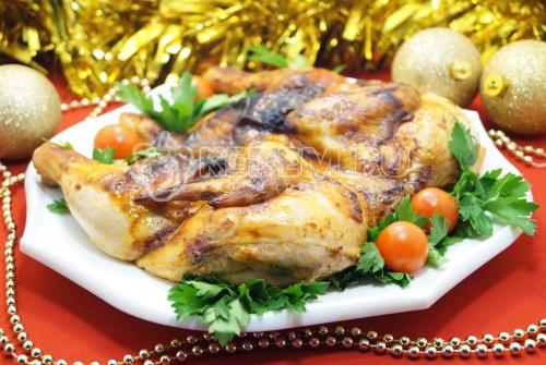 Запеченная курица в соусе сацебели