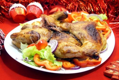 Запеченный цыплёнок с медово-горчичной корочкой