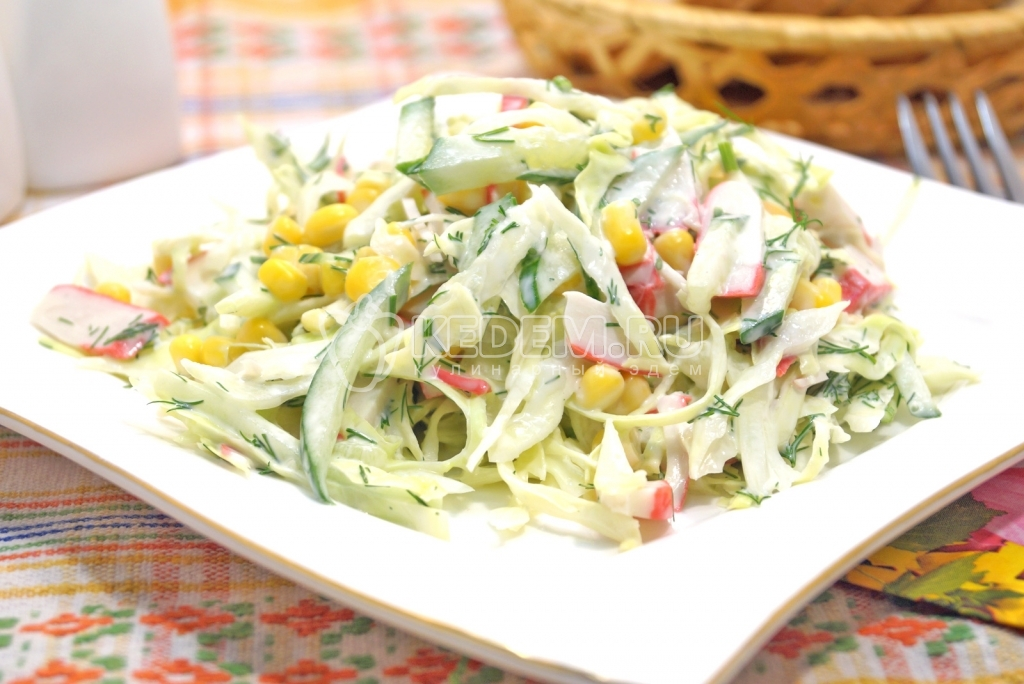 Салат из крабовых палочек и капусты помидоры