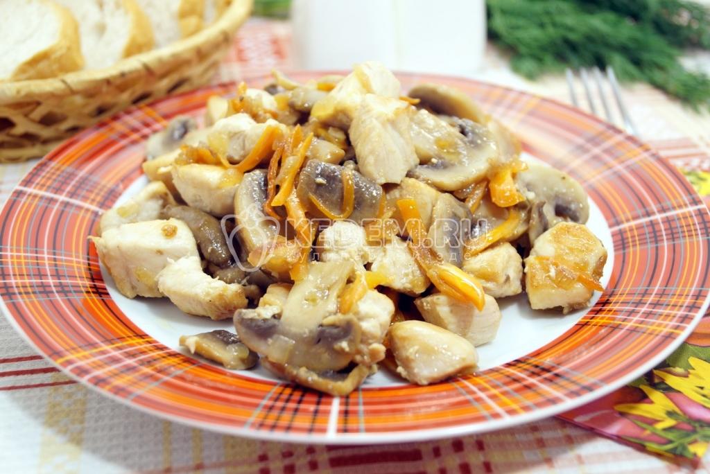 Куриная грудка с грибами на сковороде рецепт с пошагово