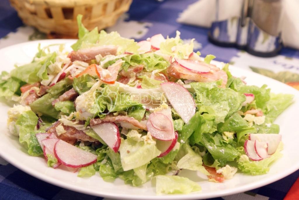 Салат легкий и вкусный с грудинкой