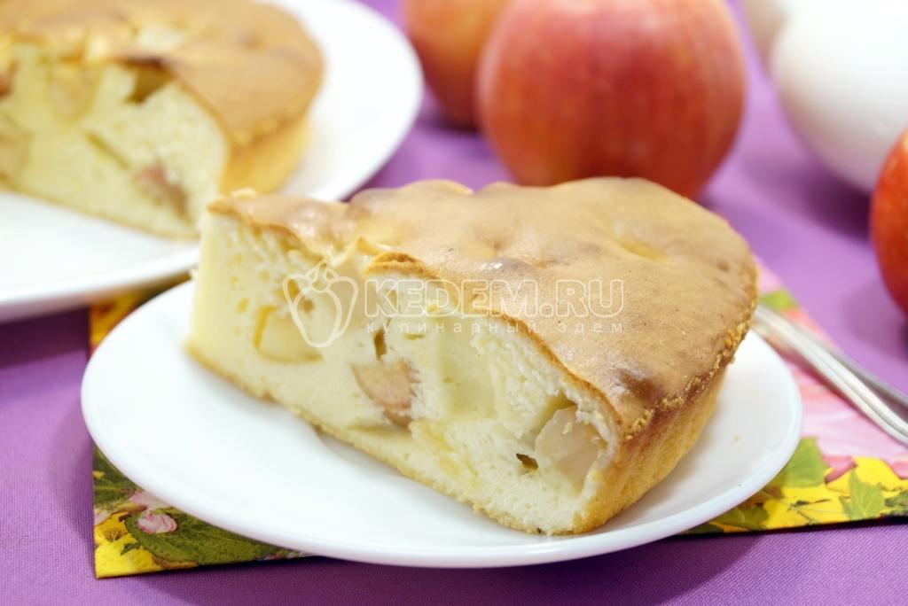приготовление шарлотка с яблоками