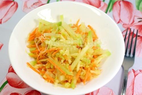 Рецепт Салат из редьки с яблоком и лимоном
